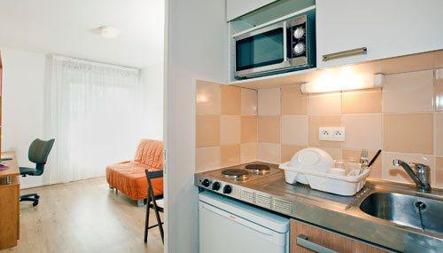 logement tudiant evry r sidence tudiante les estudines la cath drale. Black Bedroom Furniture Sets. Home Design Ideas