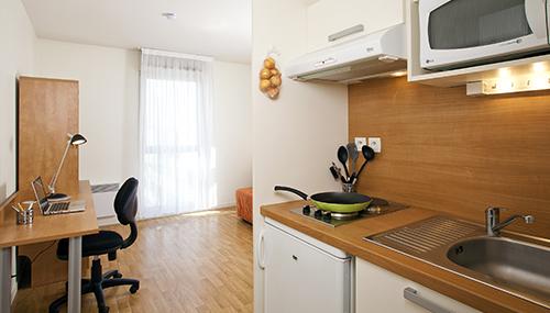 logement tudiant rennes r sidence tudiante les estudines longs champs. Black Bedroom Furniture Sets. Home Design Ideas