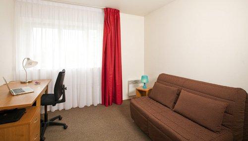 logement tudiant saint denis r sidence tudiante les estudines saint denis basilique. Black Bedroom Furniture Sets. Home Design Ideas