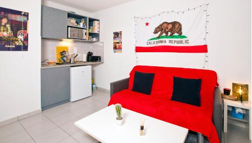 logement tudiant nice r sidence tudiante les estudines nice baie des anges. Black Bedroom Furniture Sets. Home Design Ideas