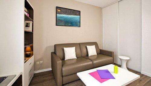 logement tudiant paris r sidence tudiante les estudines r publique. Black Bedroom Furniture Sets. Home Design Ideas
