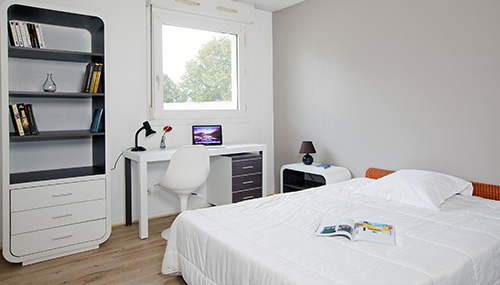 Studio - Bedroom