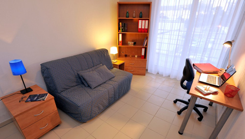 Logement tudiant marseille r sidence tudiante les for Piscine universitaire aix