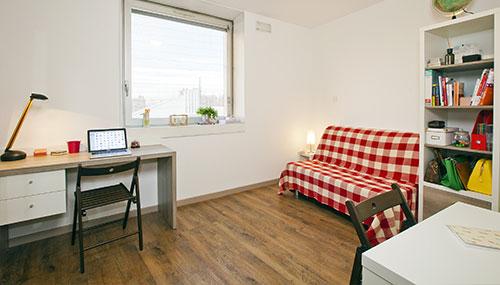 logement tudiant lyon r sidence tudiante les estudines le clip. Black Bedroom Furniture Sets. Home Design Ideas